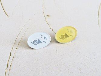 ホルンと音符のピンバッジ(ピンズ)の画像