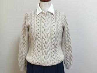 アラン模様のセーターの画像