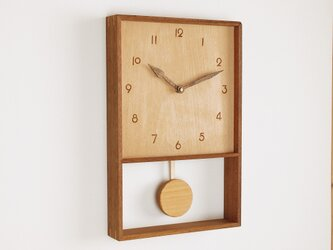 木製 箱型 振り子時計 ラワン材1の画像