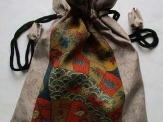 送料無料 花柄の着物と色大島紬で作った巾着袋 3765の画像
