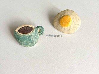 クスノキの 朝食ピアス(チタンポスト)の画像