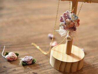 【受注製作】かぎ針編み花のアクセサリ・ 14kgfネックレスの画像