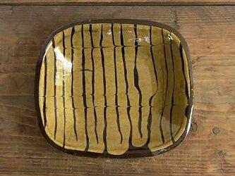 フェザーコーム黄釉角皿4/スリップウェアの画像