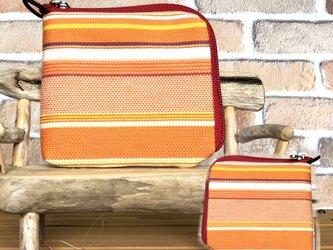 【薄い倉敷帆布財布】カード・お札・小銭一括収納 オレンジ系生地 赤ファスナーの画像