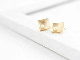 diamond shape pearl pierces(silver925post)の画像