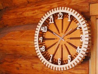 「車輪」木製 掛け時計の画像