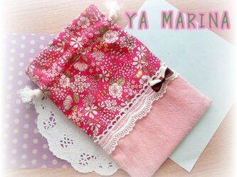 ミニリボンブローチ付き きんちゃく袋 ピンク×花柄の画像