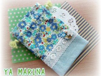 ミニブローチ付き きんちゃく袋 花柄×ブルーの画像