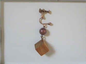 イヤリング 木と天然石 片耳  18の画像