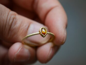 秋色のナチュラル・ダイヤモンドの指環の画像