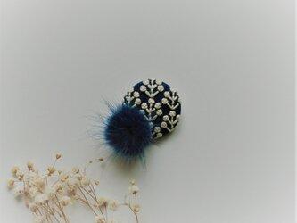 ミンクファーブローチ(ネイビー・花)の画像