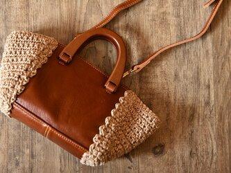 【受注製作】一枚革の牛革で贅沢手持ちハンドバッグ ショルダー 2way 木製の持ち手 麻編み TG9303の画像
