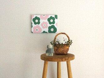 popy ( deep green × pink ) ファブリックパネルの画像