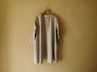 リネンのコート グレーの画像
