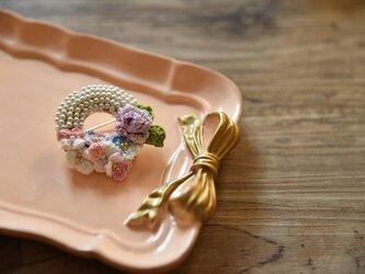 【受注製作】かぎ針編み花パールのアクセサリ・ブローチの画像