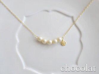 チェコガラスパールのふんわりネックレスの画像