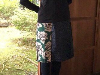 薔薇柄銘仙と結城紬のパッチワークスカート Mの画像