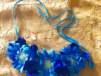 ブルーコレクション フラワーブーケネックレスBの画像