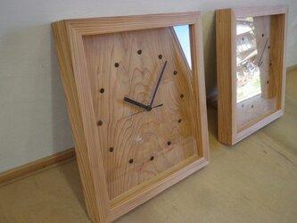 杉のかけ時計の画像