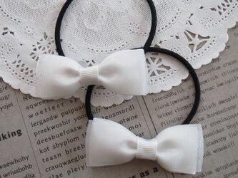 ★りぼん★ 白のオーガンジーリボンのヘアゴムの画像