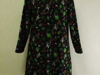 綿麻素材 森のどうぶつ達柄 セーラー衿 長袖コート(裏地無し) M~Lサイズ 黒色 受注生産の画像