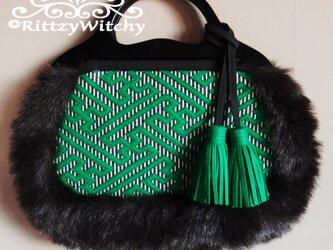 ベトナム買い付け木製ハンドルの刺し子風、紗綾形模様 グラニーファーバッグ(緑)の画像
