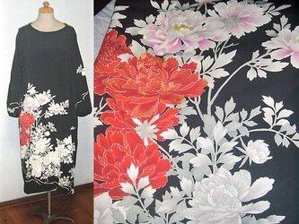Sold Out留袖リメイク★牡丹が素敵な留袖ワンピースゆったりシルエット★ハンドメイドの画像