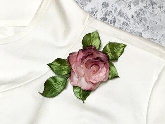 ピンクのバラのコサージュ Aの画像