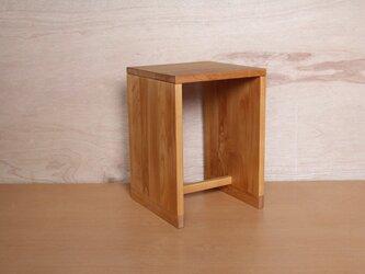箱スツール・アルダー材の画像