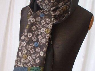 泥大島と留袖のシックなストール 絹 2018秋の装いの画像