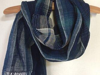 藍染めの手織りストール c32の画像