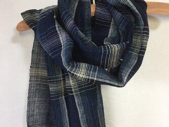 藍染めの手織りストール c33の画像