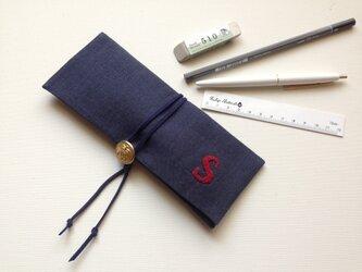temps「 S 」 リネン手刺繍ペンケースの画像