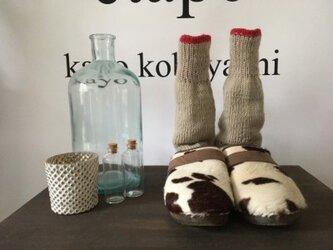手編みの靴下 2019 ベージュ赤の画像