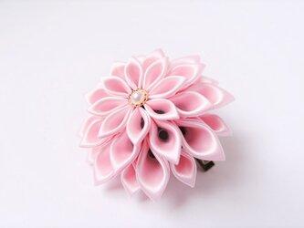 つまみ細工 薄桃花のコサージュ lightの画像