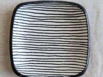 縞々皿の画像