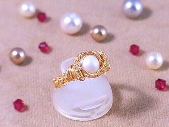 スワロフスキー(6mm) ワイヤーラッピングリング(162034 pearlescent white pearl<gold>)の画像