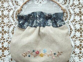 SOLD  花刺繍バネポーチ*青の画像