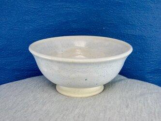 陶器ご飯茶碗(やや小)薄青白の画像