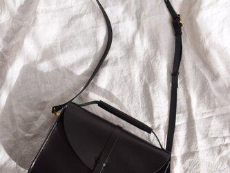 ヌメ革 ショルダーバッグの画像