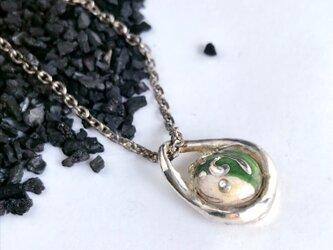 ビスクドロップ・シルバーチャーム greenの画像