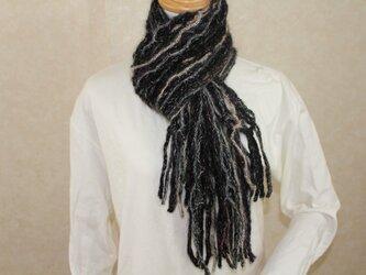 手編みの様な軽いリリヤン編み多色マフラー*尾州編みの画像