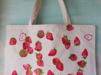 手描き苺いっぱいのトートLサイズの画像