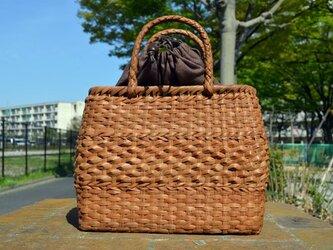 山葡萄(やまぶどう)籠バッグ | 中央ダイヤ編み | 巾着と中布付き | (約)幅31cmx高さ24cmx奥行12cmの画像