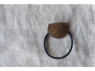 真鍮 半月のヘアアクセサリーの画像