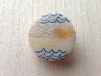 wood design brooch:waveの画像