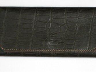 手縫い クロコ型押し三つ折長財布の画像