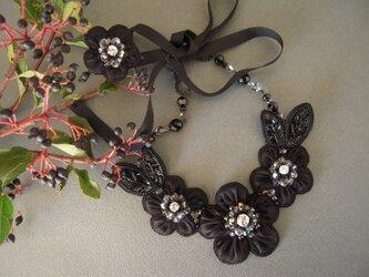 オーガンジーの花のネックレス&リングの画像