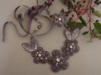 シルクオーガンジーの花のネックレス&リングの画像