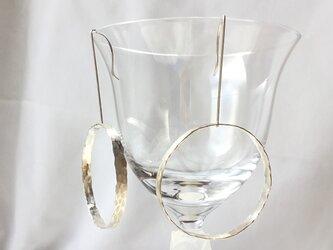 Silver950 の槌目の輪っかピアスの画像